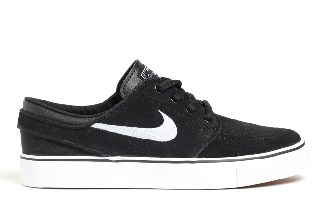 b353dab05e35 Nike SB Janoski Youth Black   White - Boardvillage