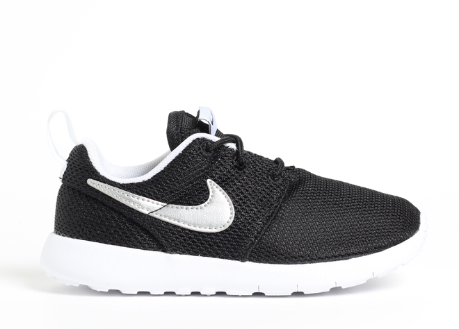 Nike Youth Roshe One Black / Metallic Silver