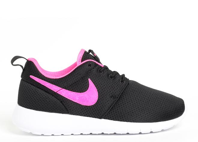 Nike Roshe One Black / Pink Blast - White