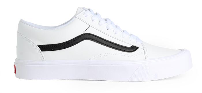 Vans Old Skool Lite (Classic Tumble) True White   Black - Boardvillage 0d3ef261b