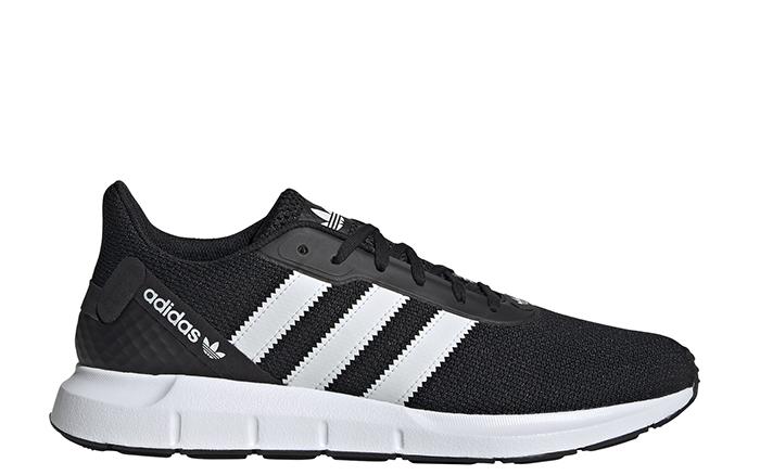 Adidas Swift Run RF Core Black / Cloud White / Core Black