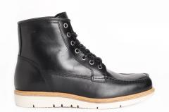 Makia Noux Boot Black